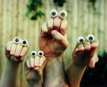 Martin P. Robinson Oobi hand puppets